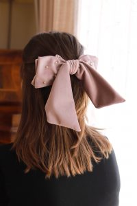 lila Haarschleife